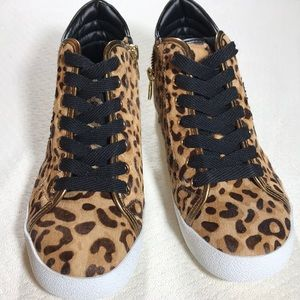 Steve Madden Shoes - Steve Madden cowhair sneakers - SZ 6.5 - NWT
